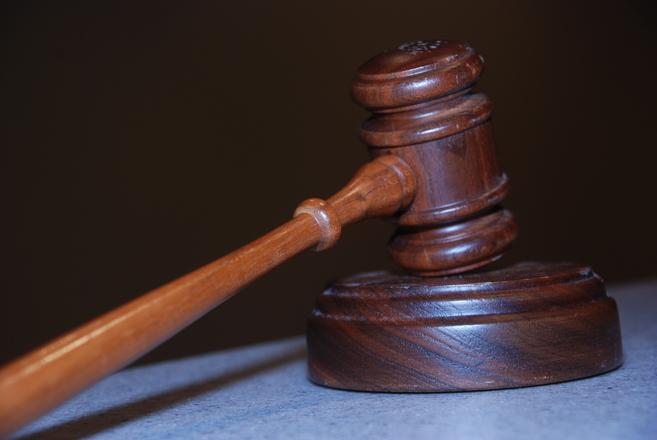 W wielu losach ludzie potrzebują asysty prawnika